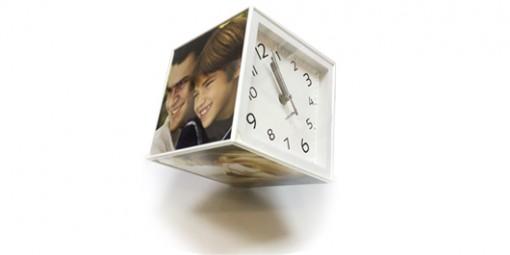 קובייה מסתובבת עם שעון + הדפסת התמונות
